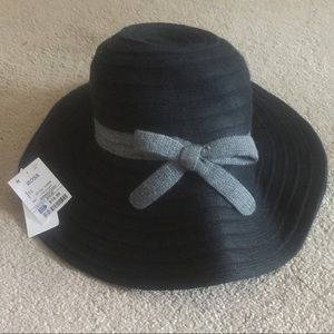 Jessica Simpson  floppy hat